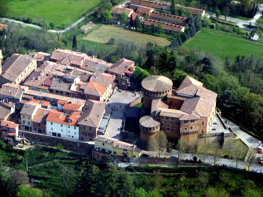 Rocca sforzesca, simbolo della città di Dozza